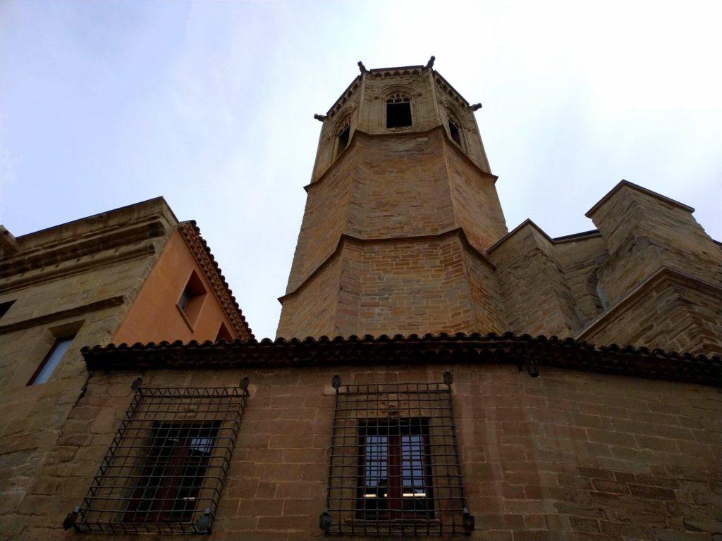 Santa Maria -kirkko, Cervera, torni, ulkoapäin, kellotorni, Katalonia